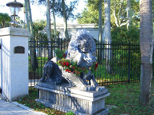 Washington St Lion Picture
