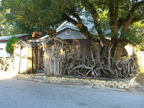 Photo of Leonardi St Driftwood Fence