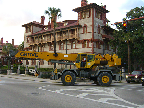 Picture of Crane Passing Flagler College