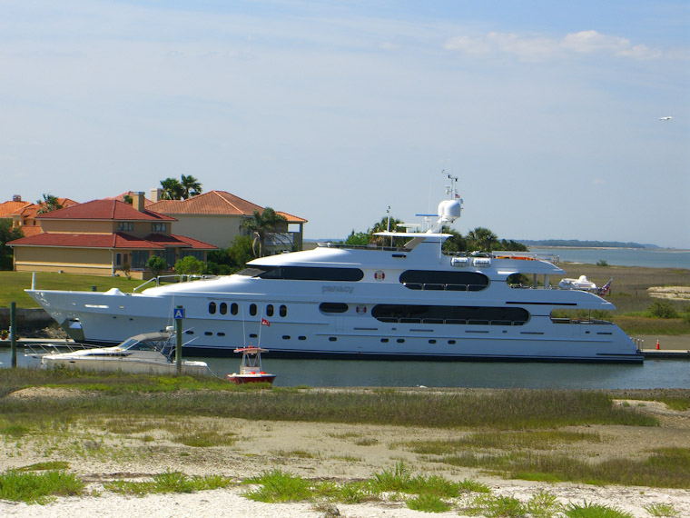 Tiger Woods' Yacht Privacy Photos