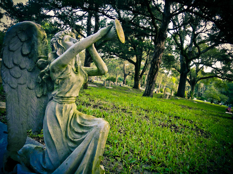 Picture of Angel Horn Statue in St Augustine Florida
