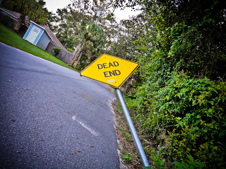 Picture of bent woodlawn street dead end sign in St Augustine Florida