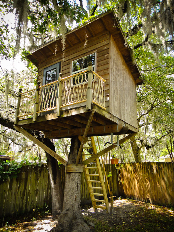 Picture of treehouse with staircase and railing