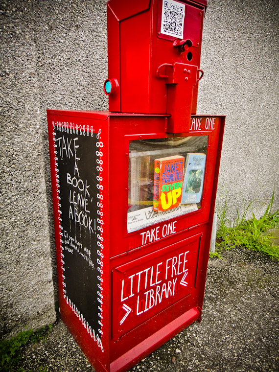 Picture of newspaper box little free library in Saint Augustine Florida