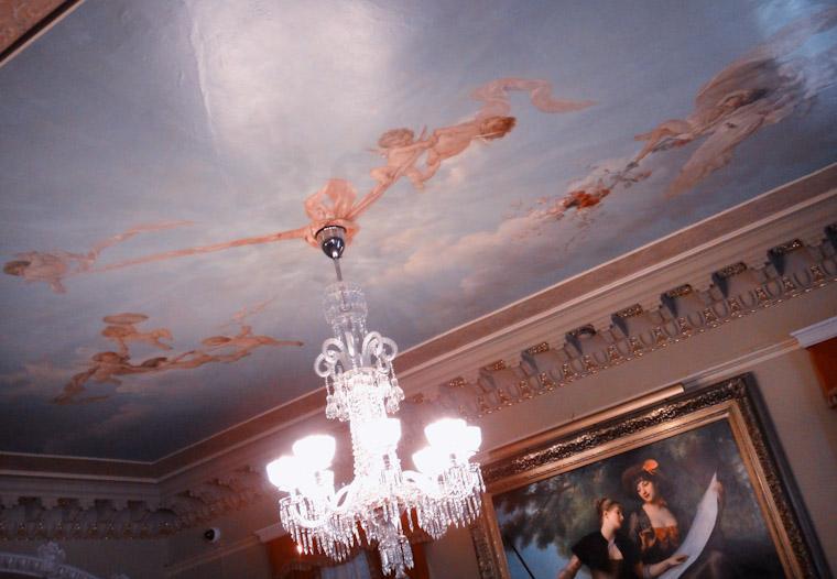 Cherubs tying a chandelier knot at Flagler College