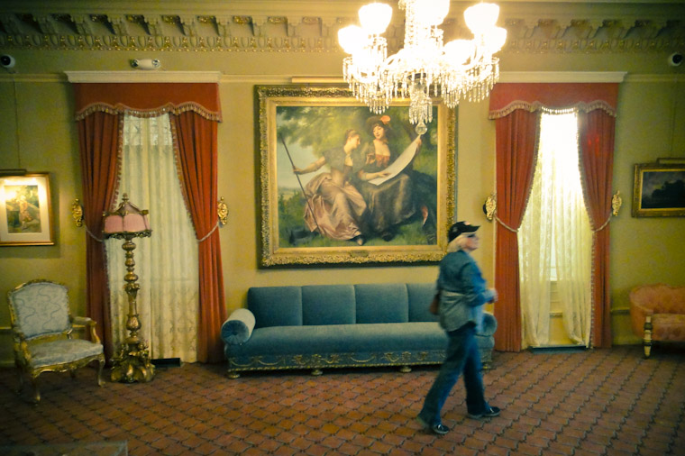 Picture of visitor nehind velvet rope at Flagler College
