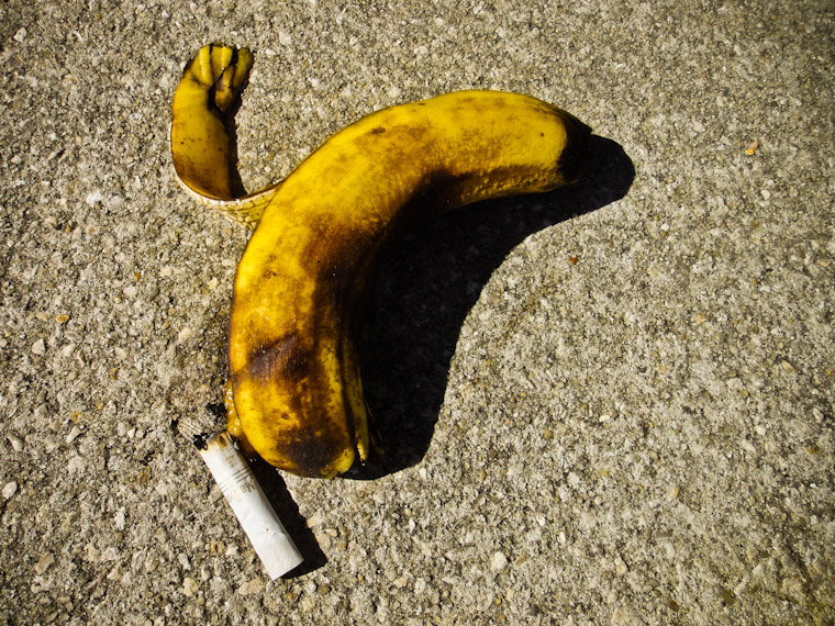Picture of a banana and cigarette