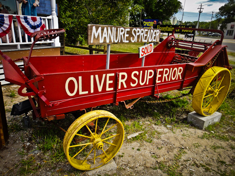 Picture of manure spreader tractor