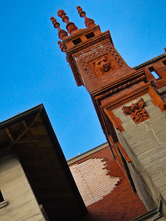 Picture of brickwork failing at Lightner Museum