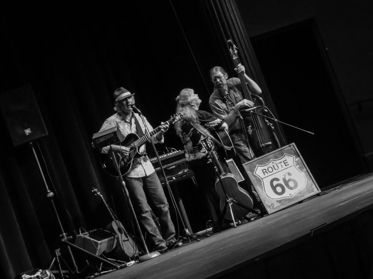 Lis and Lon Williamson with Rick Kuncicky perform at Flager auditorium