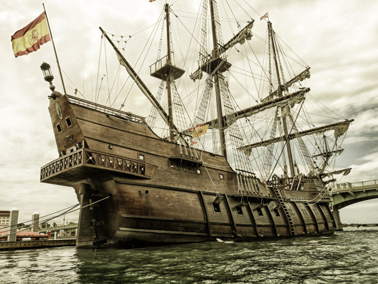 Spansih Galleon ship by bridge of lions