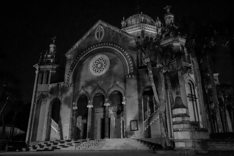 Memorial Presbyterian Church at night