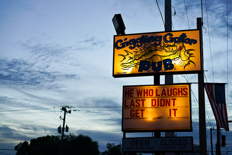 Giggling Gator Bar sign