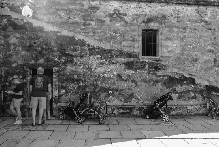Catilo de san marcos fort tourists