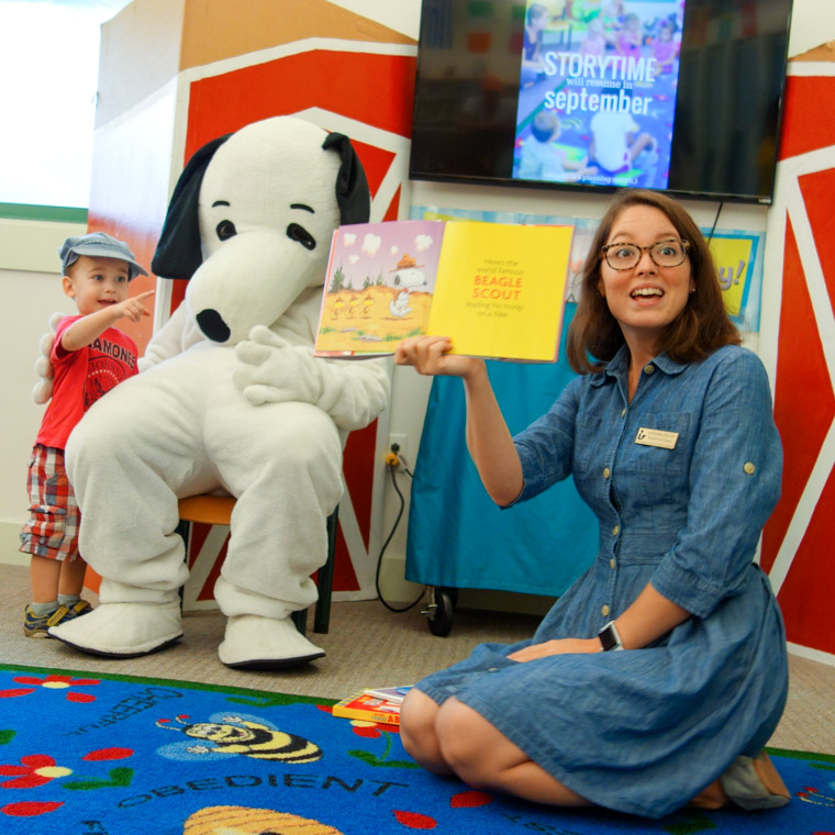 Public library kids story time snoopy peanuts